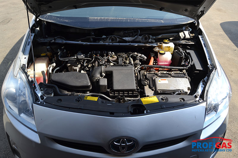 Toyota Prius: двигатель гибрида отлично работает на газовом топливе.Toyota Prius: двигун гібрида відмінно працює на газовому паливі.