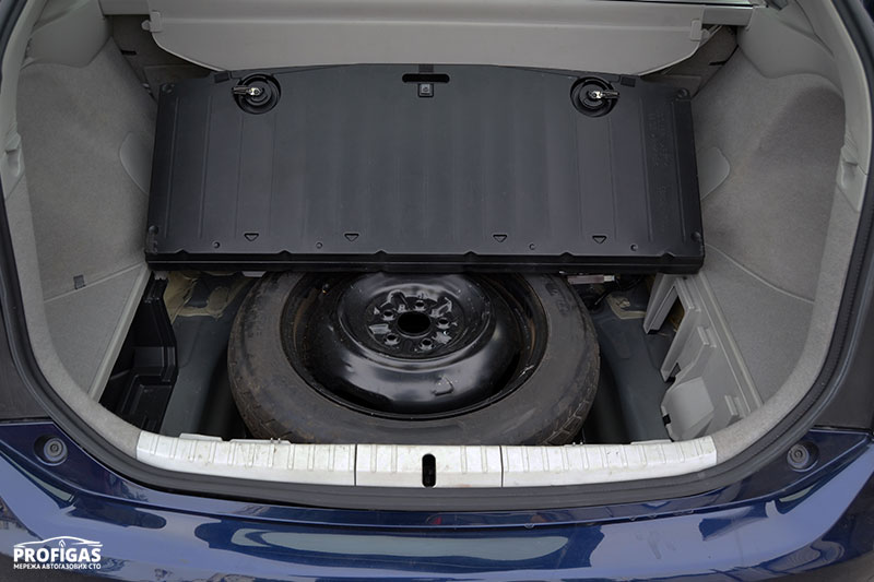Toyota Prius: отличная компоновка для ГБО.Toyota Prius: відмінна компоновка для ГБО.