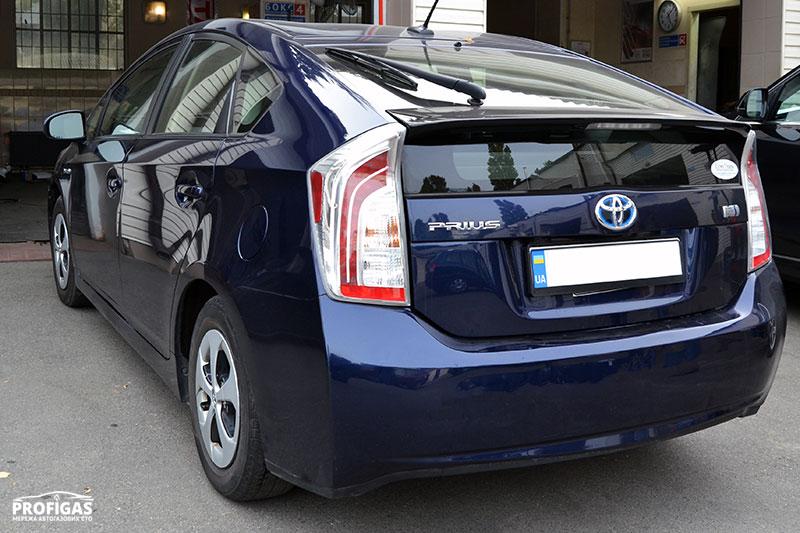 Toyota Prius: ГБО на гибридный автомобиль.Toyota Prius: ГБО на гібридний автомобіль.