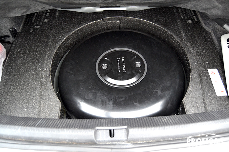Volkswagen Passat: баллон GreenGas на 65 л.Volkswagen Passat: балон GreenGas на 65 л.