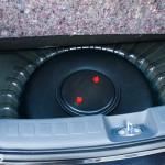 Mitsubishi Colt: вместо запасного колеса в подполье багажника смонтирован тороидальный газовый баллон Atiker на 34 л.Mitsubishi Colt: замість запасного колеса в підпіллі багажника змонтований тороидальний газовий балон Atiker на 34 л.